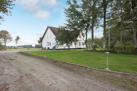 Landejendom på Tangsgårdsvej i Hjørring - Ejendommen