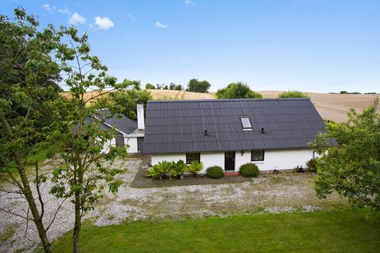 Villa på Lendumvej i Sindal - Ejendommen