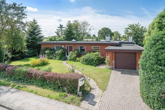 Villa på Henri Nathansens Vej i Hjørring - Ejendommen