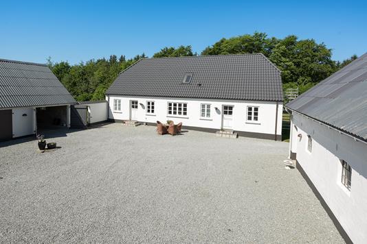 Landejendom på Ålborgvej i Hjørring - Ejendommen