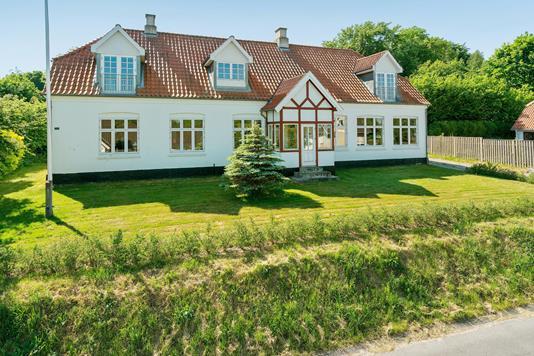 Villa på Tolnevej i Sindal - Ejendommen