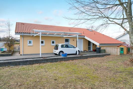 Villa på Ulstedboparken i Sindal - Ejendommen