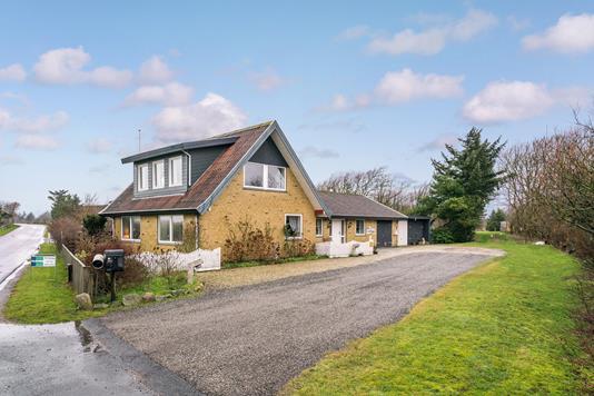 Villa på Lyngbyvej i Løkken - Ejendommen