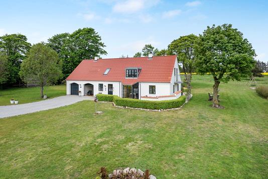 Villa på Mosbjergvej i Sindal - Ejendommen