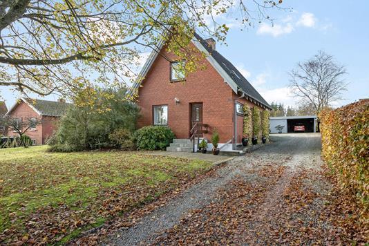 Villa på Kirkevej i Sindal - Ejendommen