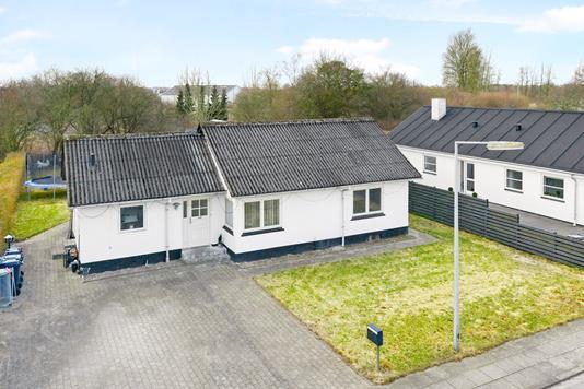 Villa på Ådalsvej i Aalborg SØ - Ejendommen