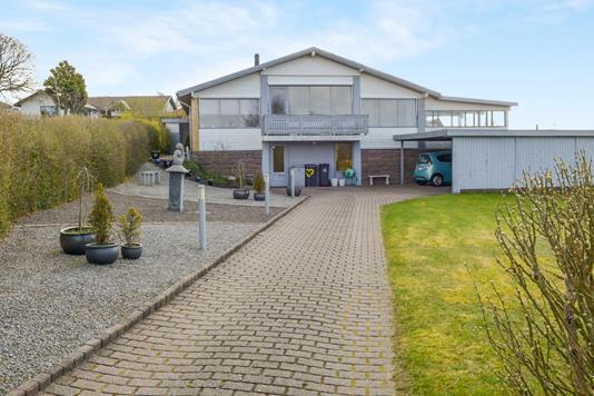 Villa på Tinglykke i Aalborg SØ - Ejendommen