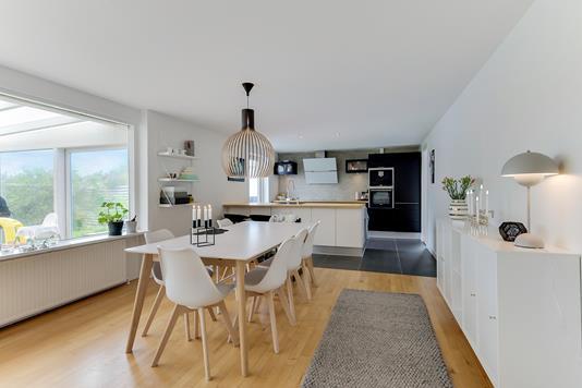 Villa på Lykkegårdsvej i Aalborg SØ - Køkken