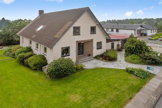 Villa på Nyboesvej i Farsø - Ejendommen