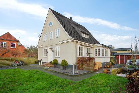 Villa på Kirkevej i Aalestrup - Ejendommen