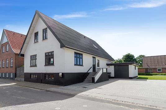 Villa på Højvang i Aars - Ejendommen