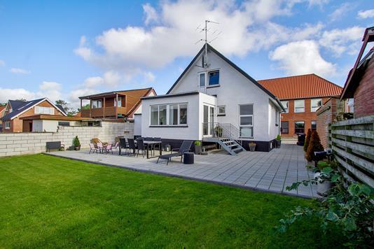 Villa på Skolegade i Farsø - Ejendommen