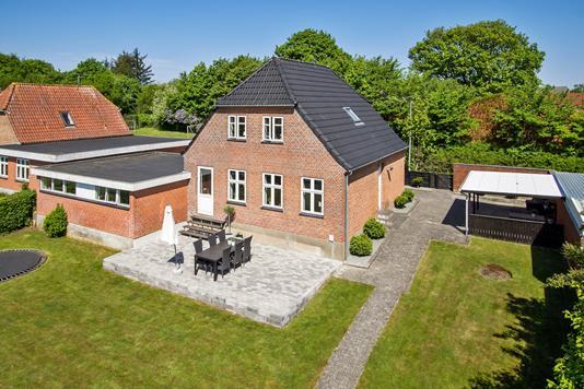 Villa på Nørreled i Aalestrup - Ejendommen