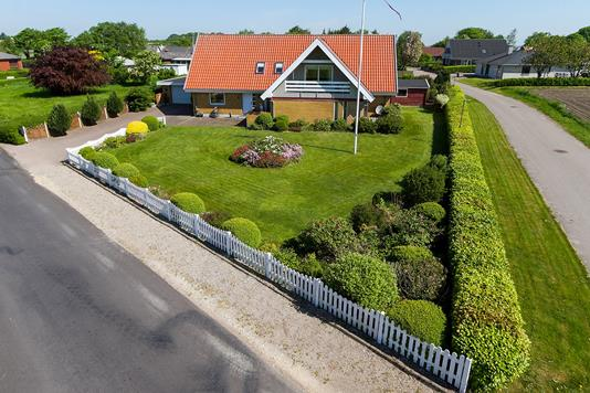 Villa på Skinderupvej i Aalestrup - Ejendommen