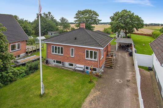 Villa på Østergade i Aars - Ejendommen