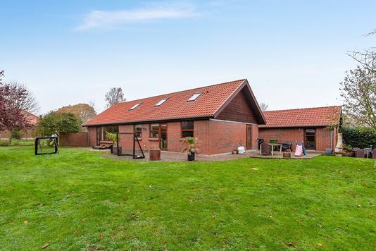 Villa på Engparken i Aalestrup - Ejendommen