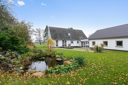 Villa på Brusåvej i Nibe - Set fra haven
