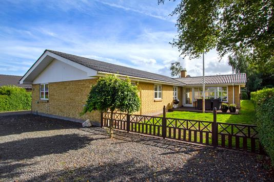 Villa på Evaholmvej i Aars - Ejendommen