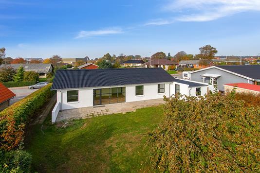Villa på Sdr Boulevard i Aars - Ejendommen