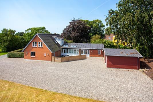 Villa på Klovenhøjvej i Farsø - Ejendommen