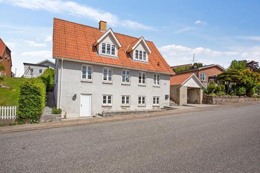 Villa på Sundvej i Farsø - Set fra vejen