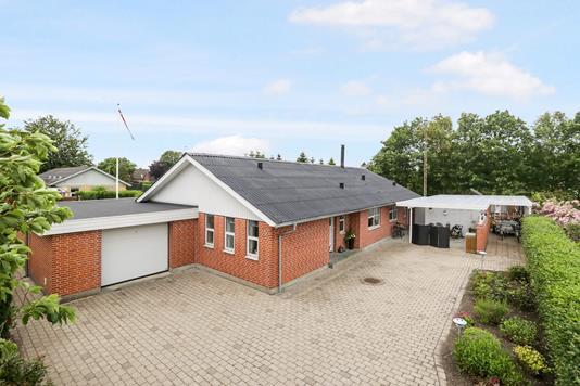 Villa på St. Blichersvej i Aabybro - Ejendom 1