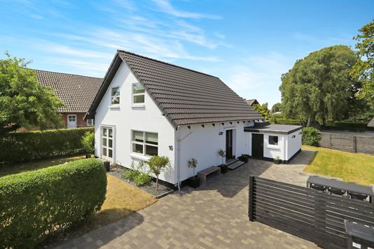 Villa på Rolighedsvej i Aabybro - Ejendom 1