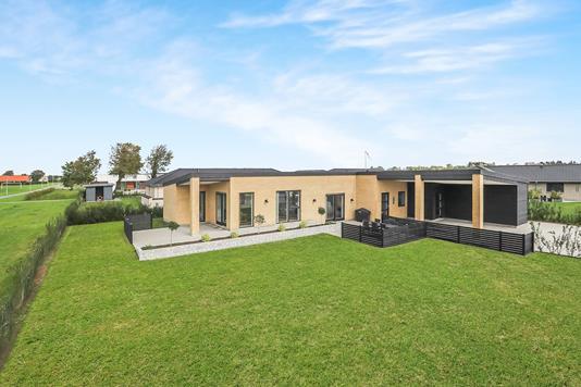 Villa på Skovparken i Aabybro - Ejendom 1