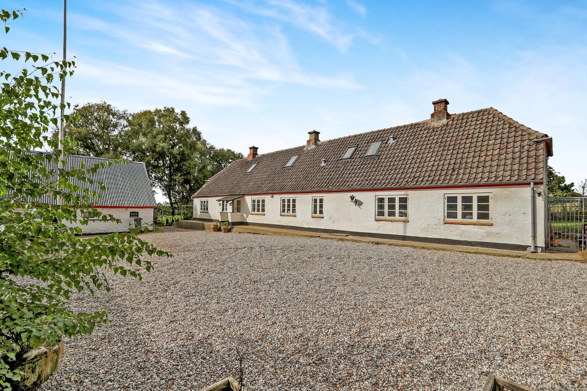 Landejendom på Nørhalnevej i Aabybro - Ejendommen