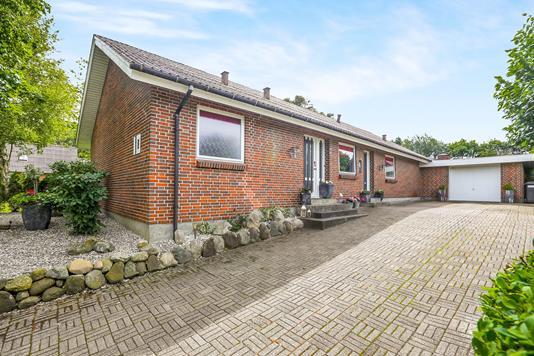 Villa på Olaf Ryes Vej i Brovst - Ejendommen