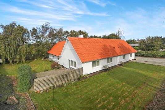 Villa på Østergade i Brovst - Ejendommen