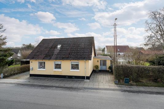 Villa på Nygade i Vrå - Ejendommen
