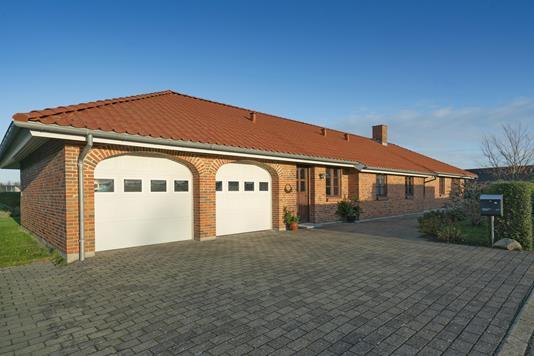 Villa på Dyrlægegården i Vrå - Carport