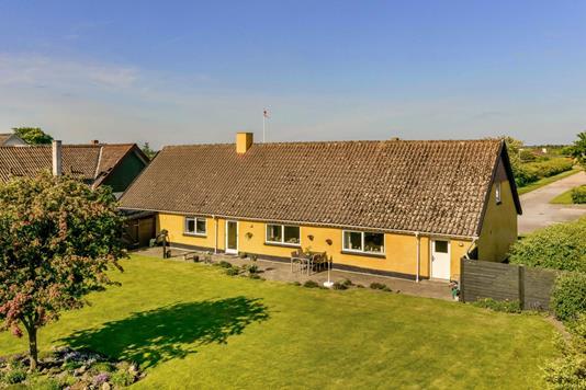 Villa på Vejbyvej i Vrå - Ejendommen