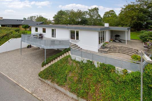 Villa på Rossinisvej i Aalborg SV - Facade