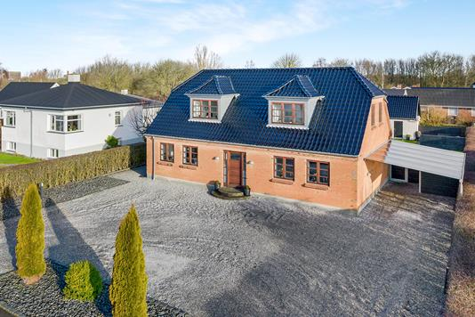 Villa på Lindskovvej i Aalborg - Ejendommen