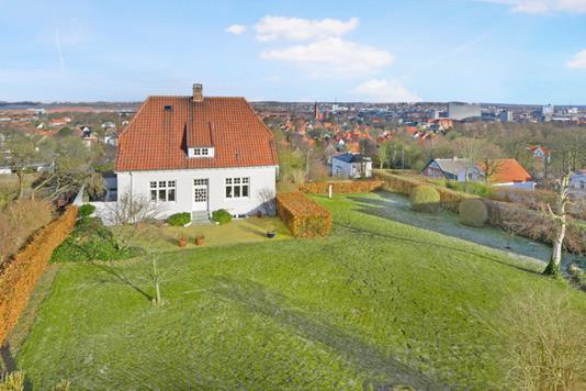 Villa på Vossvej i Aalborg - Ejendommen