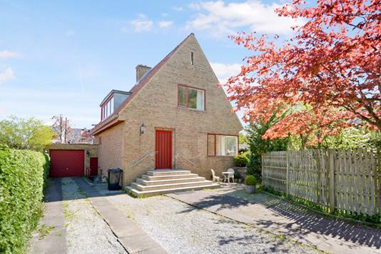 Villa på Rosenlunden i Aalborg - Ejendommen