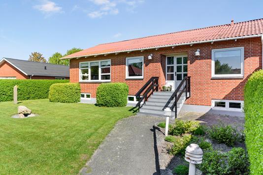 Villa på Niels Bugges Vej i Nibe - Ejendom 1