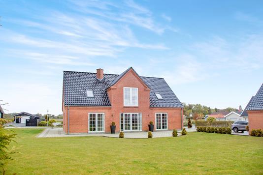Villa på Boelsmindevej i Sæby - Ejendommen