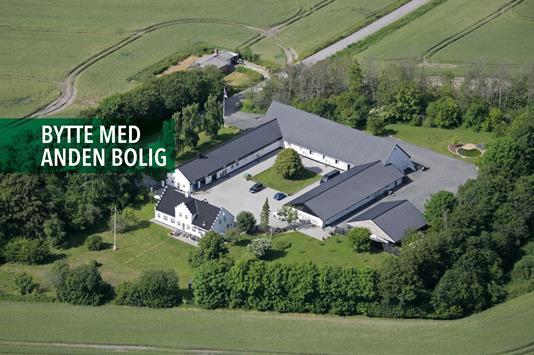 Landejendom på Brorholtvej i Vadum - Luftfoto