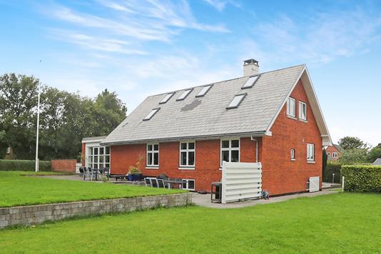 Villa på Nibevej i Nibe - Ejendommen