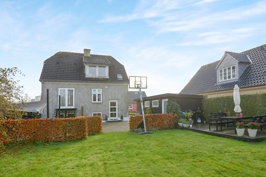 Villa på Floravej i Aalborg - Ejendommen