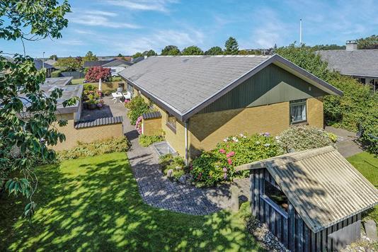 Villa på Langholtvej i Aalborg SV - Ejendommen