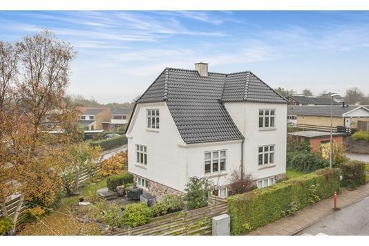 Villa på Svalegårdsvej i Aalborg - Facade