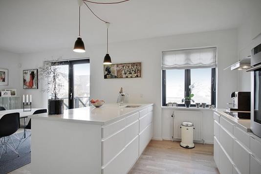 Villa på Strøybergsvej i Aalborg - Køkken alrum