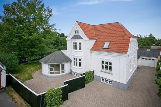 Villa på Davids Alle i Aalborg - Ejendommen