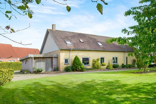 Villa på Bygaden i Aalborg SV - Ejendommen