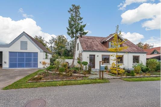 Villa på Båstrup Kirkevej i Løsning - Andet