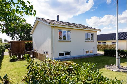 Villa på Frederiksbergvej i Løsning - Andet
